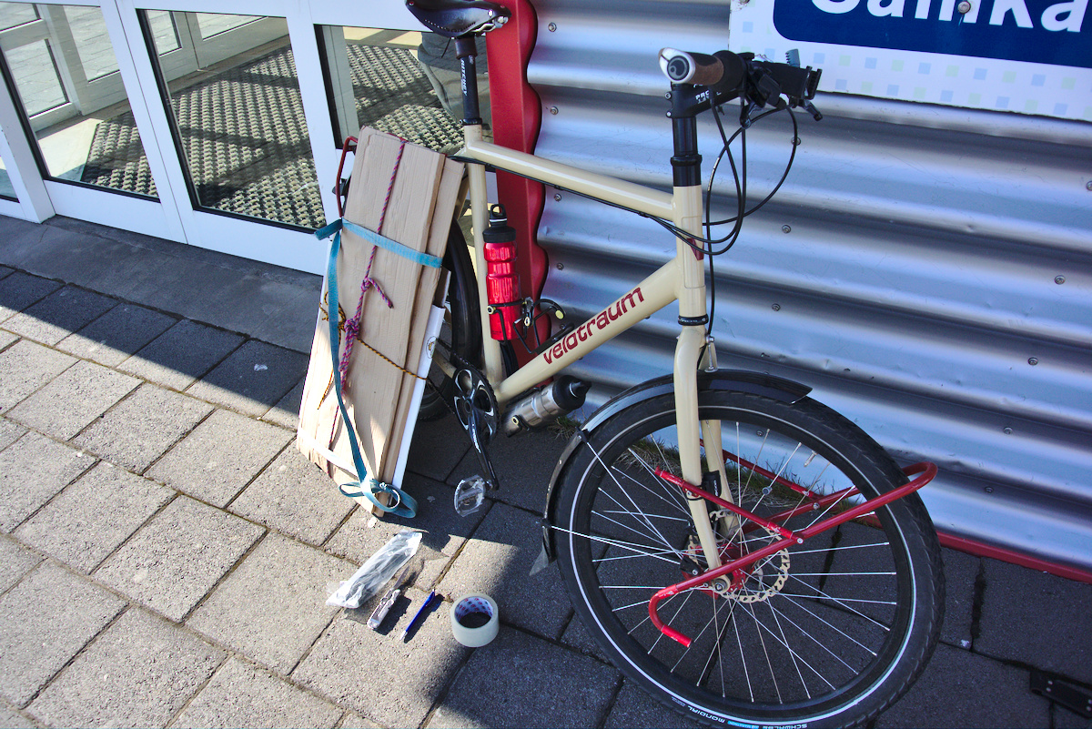 Bike on a plane, cardboard collection